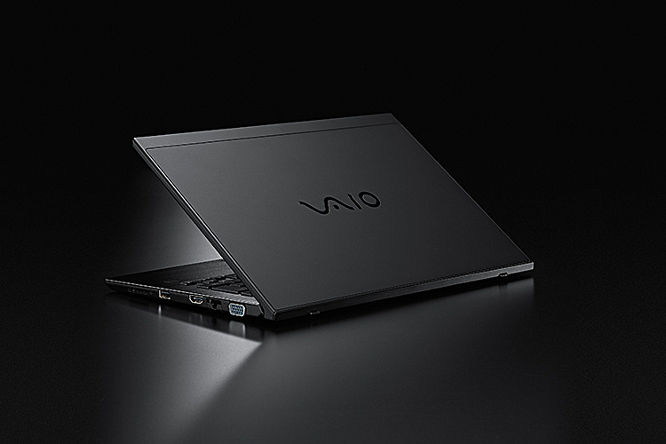 VAIO S11 | ALL BLACK EDITION